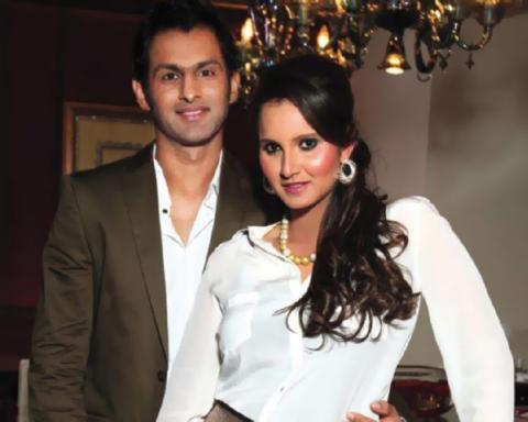Sania Mirza's Hubby Shoaib Malik Attracts HATRED on Twitter, After
